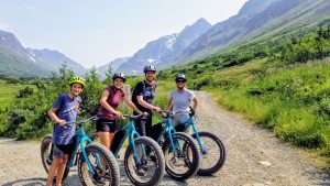 Mountain bike tour in Chugach State Park with a family of 4.